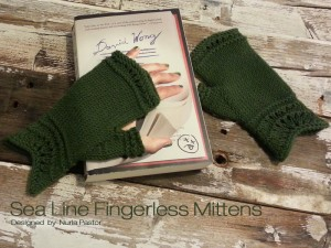 Sea Line Fingerless Mittens