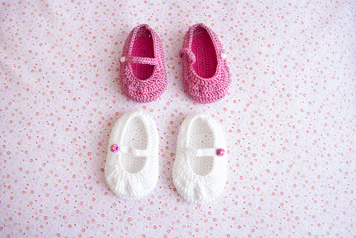 Baby Mary Janes and the Free Baby Flower Headband | Red Sewing Box